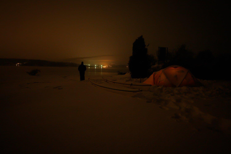 Snöig nyårsnatt på Östra Bokö