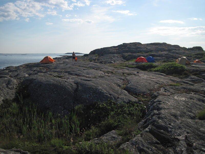 Många fina tälplatser på klipporna