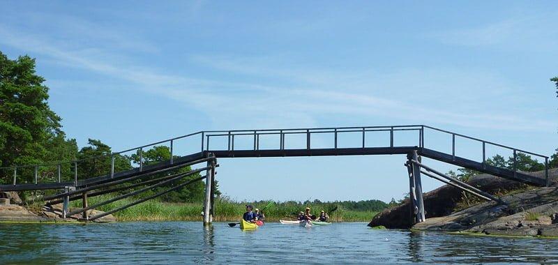 Bro mellan öarna