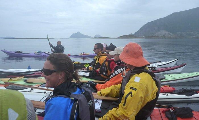 Regnigt och grått, här paus strax utanför Lurøy