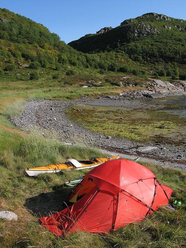 Morgon på Slapøy - rätt grön ö med skog vilket många andra öar inte har.
