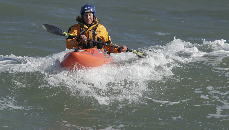 Carin i hyrd surflåda