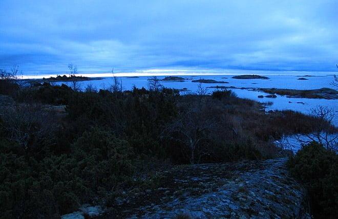 Blå morgon österut på Lillös ostsida