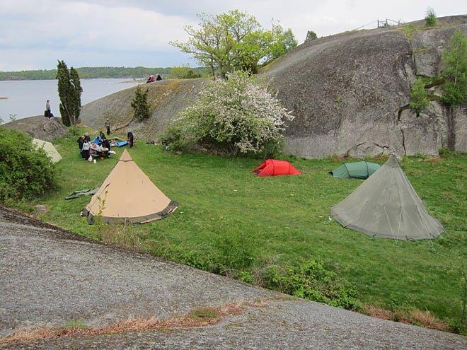 Lägerplatsen sedd lite från ovan. Mycket fint ställe med lä för de flesta vindar