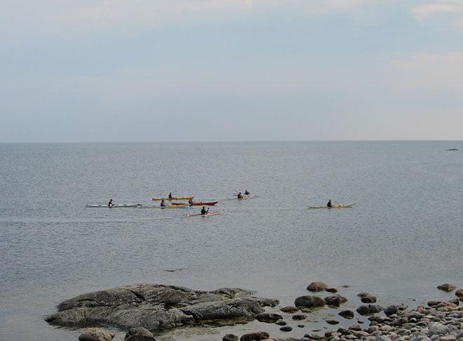 Paddlare söder om Valö