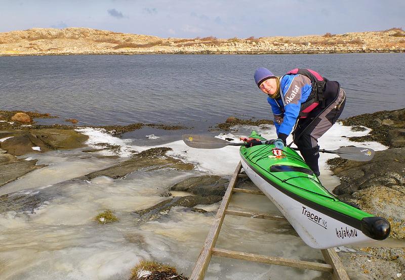 Lämnar Valö, isbana på klipporna