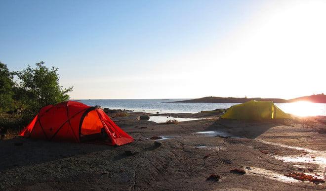 Rött Tarra på Boskärs utsida i Misterhults skärgård
