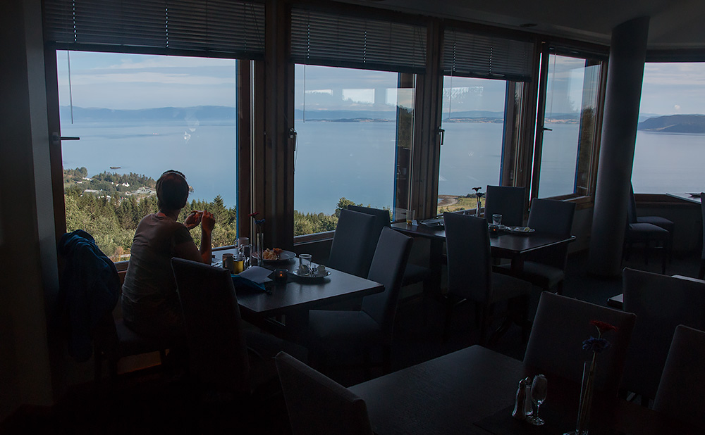 Finfrukost med finvy strax utanför Trondheim på Stav Hotell