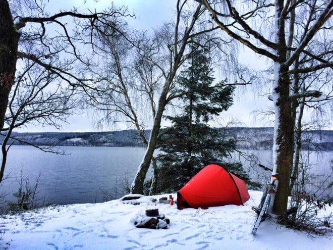 Tältnatt vid Västersjön i Hilleberg Enan