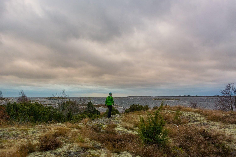 Spanar horisont och skär på ostsidan av Örö