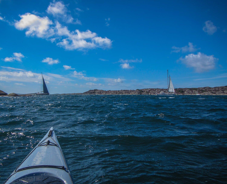Frej på väg mot Hermanö och Vallerö