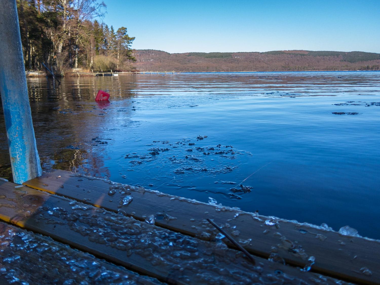 Lite is-i-kanten gör att vattnet svalkar lite mer effektivt