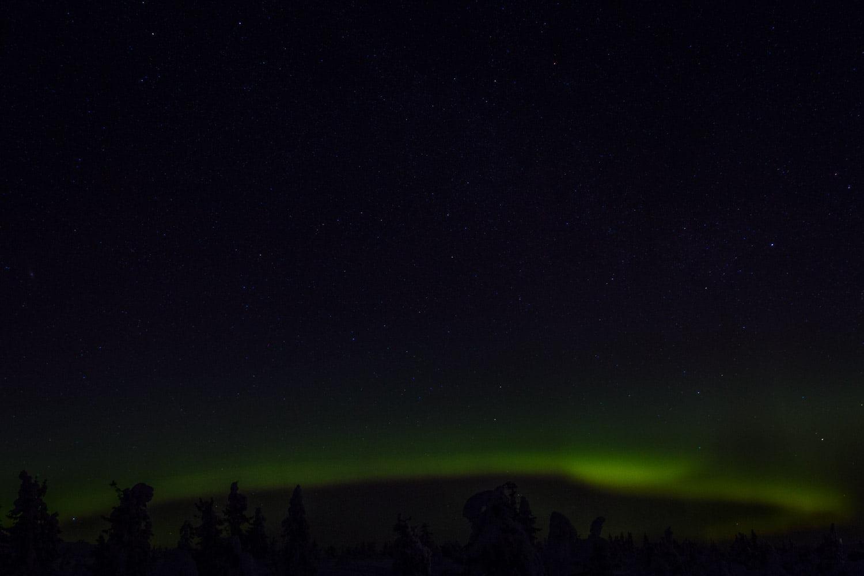 Grönskimrande himmel. Klart imponerande med norrsken.